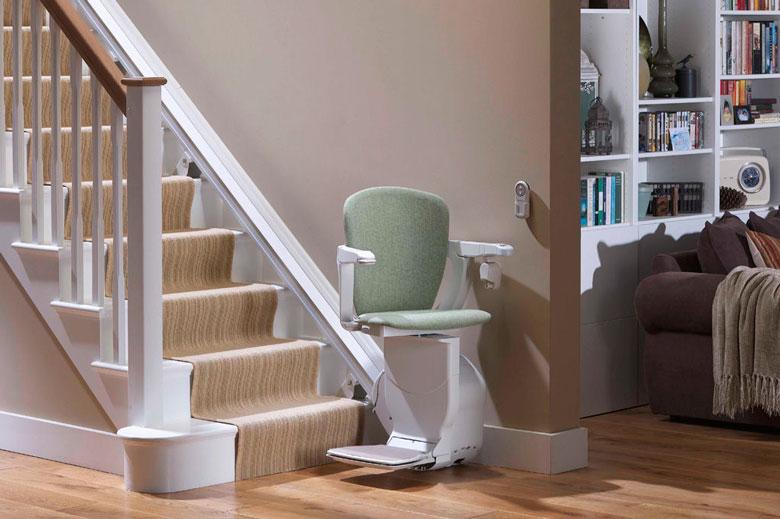 chaise monte escalier perfect plateforme pour escalier courbe with chaise monte escalier. Black Bedroom Furniture Sets. Home Design Ideas